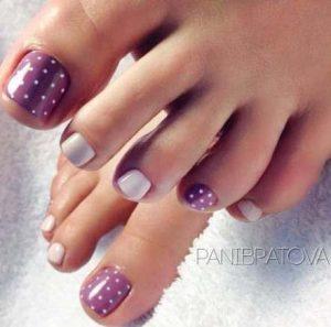 pedi purple polka dots