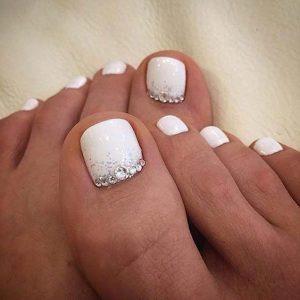 pedicure white glam