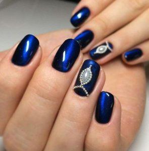 bright blue magnetic polish