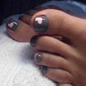 pink heart design toe nails