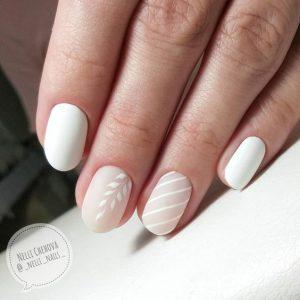 leaves stripes nude white short