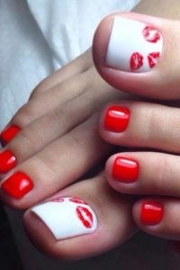 lip print on white toes