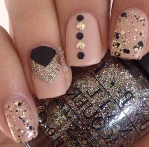 nude nails gold black details