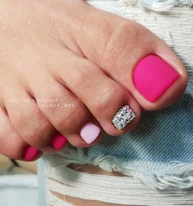 shades of matte pink pedicure