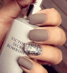 glitter accent to taupe