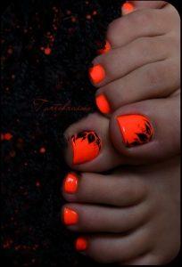 black flower on neon toe