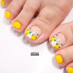 french tip using yellow flowers