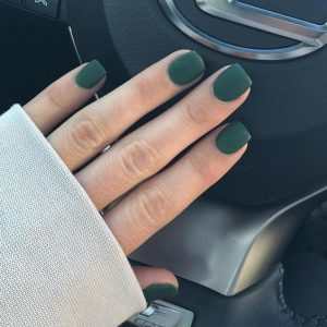 dip powder emerald matte