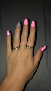 light pink glitter acrylics