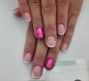 pink chrome accent nail short