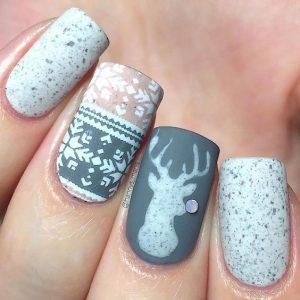 sweater pattern nail